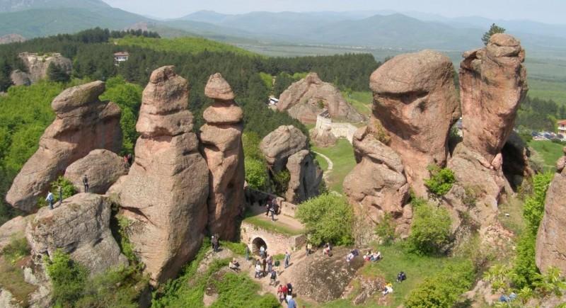 Северозападна България - история, вълшебни килими, прекрасни гледки и подземни тайнства