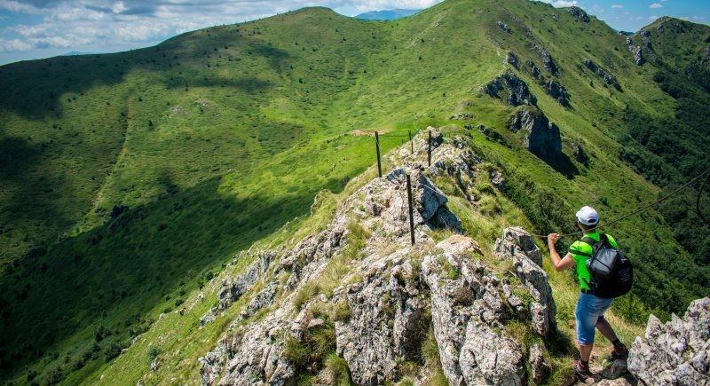 Троян, Беклемето  и резерват  Козя стена